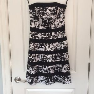 WHBM Black & White Strapless Dress - Size 2